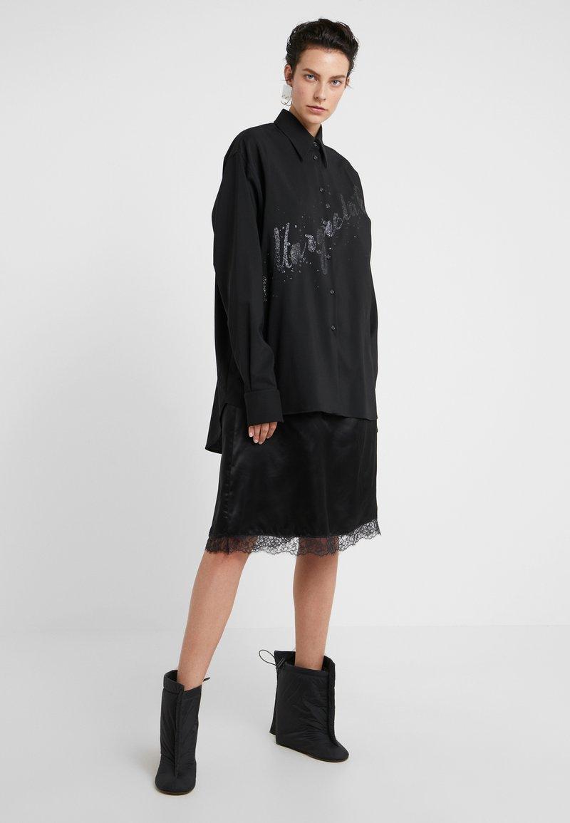 MM6 Maison Margiela - Společenské šaty - black