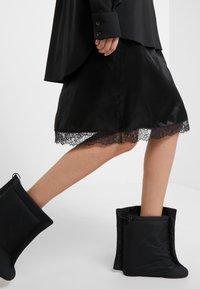 MM6 Maison Margiela - Společenské šaty - black - 4