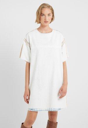 Denimové šaty - super bleach