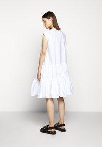 MM6 Maison Margiela - POPLIN DRESS - Vapaa-ajan mekko - white - 2