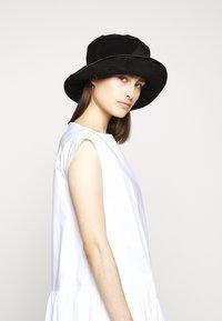 MM6 Maison Margiela - POPLIN DRESS - Vapaa-ajan mekko - white - 4