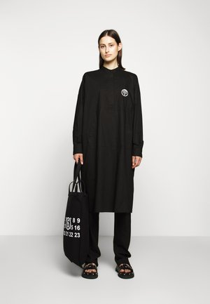 PARACHUTE POPLIN DRESS - Paitamekko - black