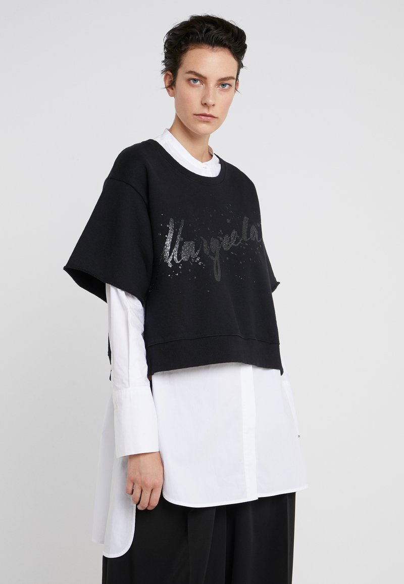 MM6 Maison Margiela - T-shirt med print - black