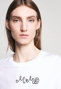 MM6 Maison Margiela - SHORT SLEEVES - T-shirt print - bright white - 3