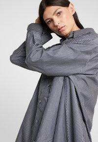 MM6 Maison Margiela - Button-down blouse - black/white - 3