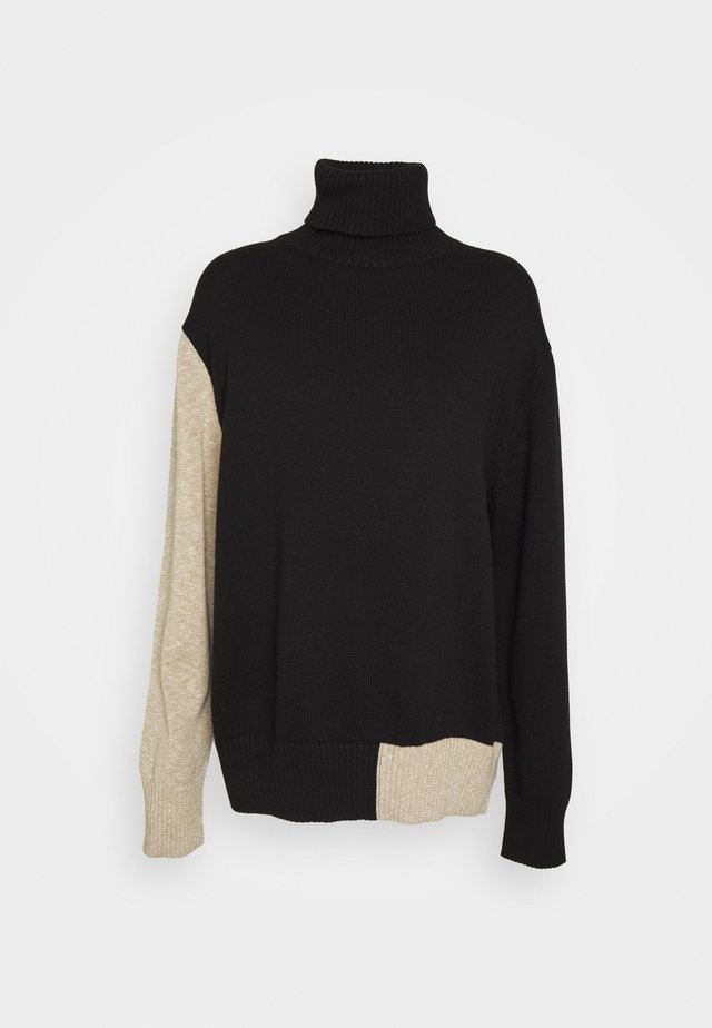 Stickad tröja - black/beige