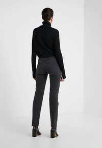 MM6 Maison Margiela - Relaxed fit jeans - black - 2