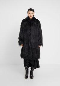 MM6 Maison Margiela - Winter coat - black - 0