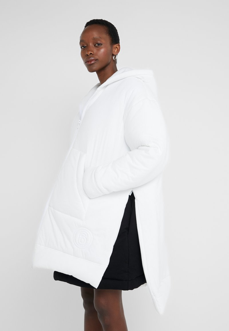 MM6 Maison Margiela - Classic coat - white