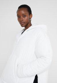 MM6 Maison Margiela - Classic coat - white - 3