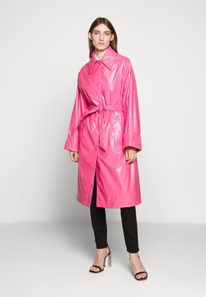COLOR - Trench - barbie pink