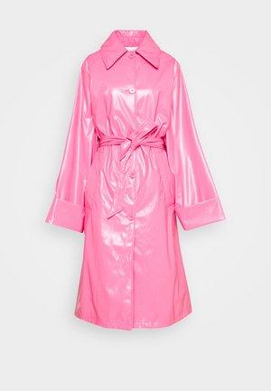 COLOR - Trenssi - barbie pink