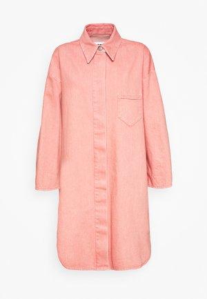 Halflange jas - pink