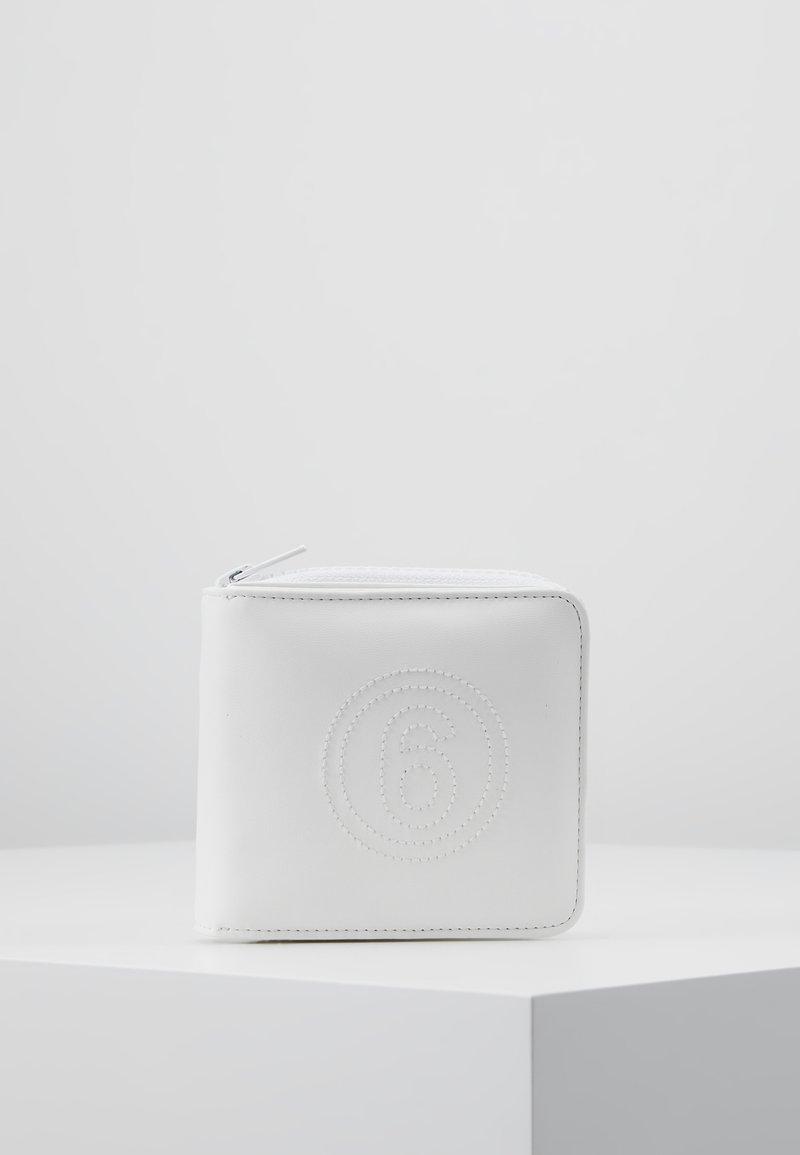 MM6 Maison Margiela - Peněženka - white