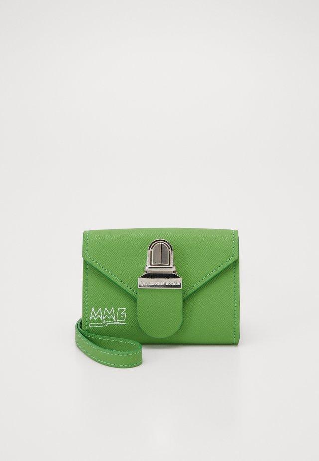 Plånbok - green