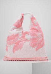 MM6 Maison Margiela - Shopper - pink carnation - 0