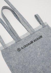MM6 Maison Margiela - Shopping bag - grey - 4