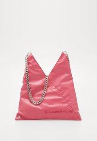 MM6 Maison Margiela - SHOULDER BAG - Torba na ramię - pink carnation - 0