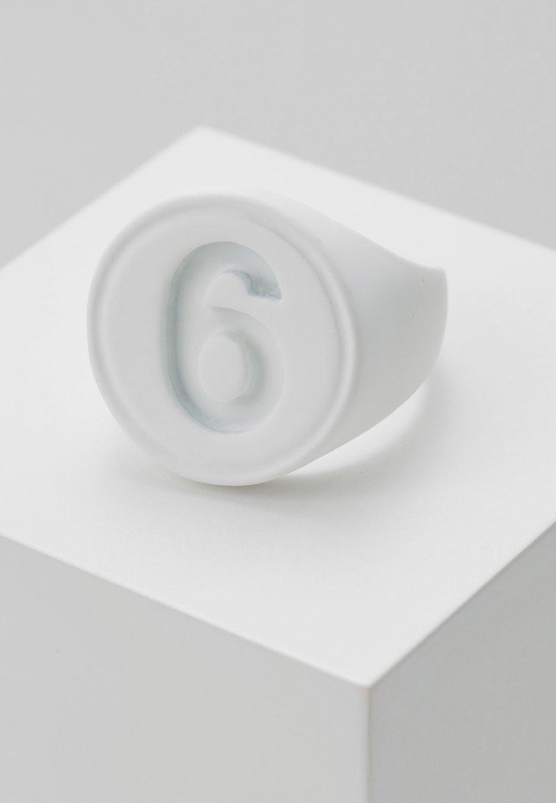 MM6 Maison Margiela - Ring - white