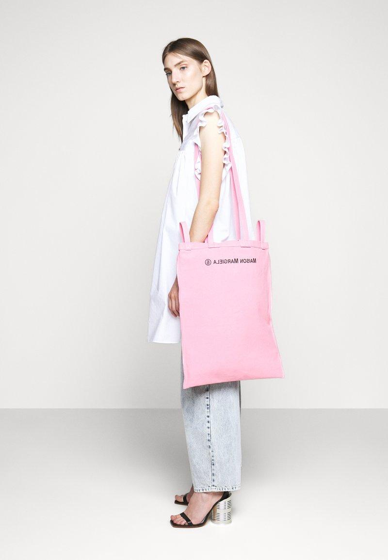 MM6 Maison Margiela - Velká kabelka - pink