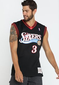 Mitchell & Ness - NBA PHILADELPHIA  ALLEN IVERSON SWINGMAN  - Klubtrøjer - black/white - 0