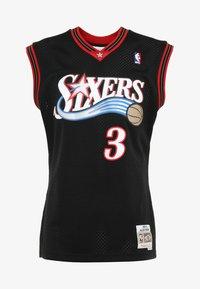 Mitchell & Ness - NBA PHILADELPHIA  ALLEN IVERSON SWINGMAN  - Klubové oblečení - black/white - 4