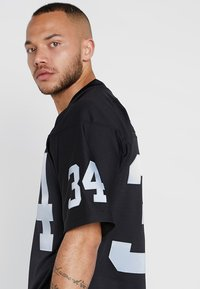 Mitchell & Ness - NFL LOS ANGELES RAIDERS LEGACY - Article de supporter - black - 4