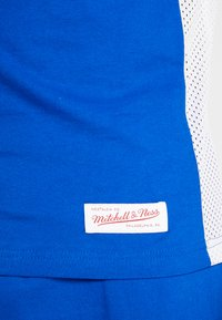 Mitchell & Ness - DUKE BLUE DEVILSCUT AND SEW TEE - Printtipaita - royal - 3
