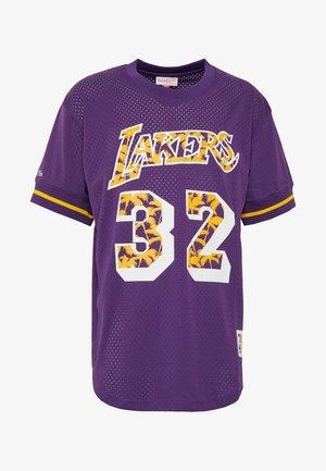 NBA LA LAKERS MAGIC JOHNSON NAME NUMBER CREWNECK - Fanartikel - purple