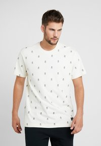Mitchell & Ness - ALL OVER TENNIS TEE - T-shirt print - off white - 0