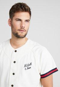 Mitchell & Ness - BASEBALL  - T-shirt imprimé - off white - 3
