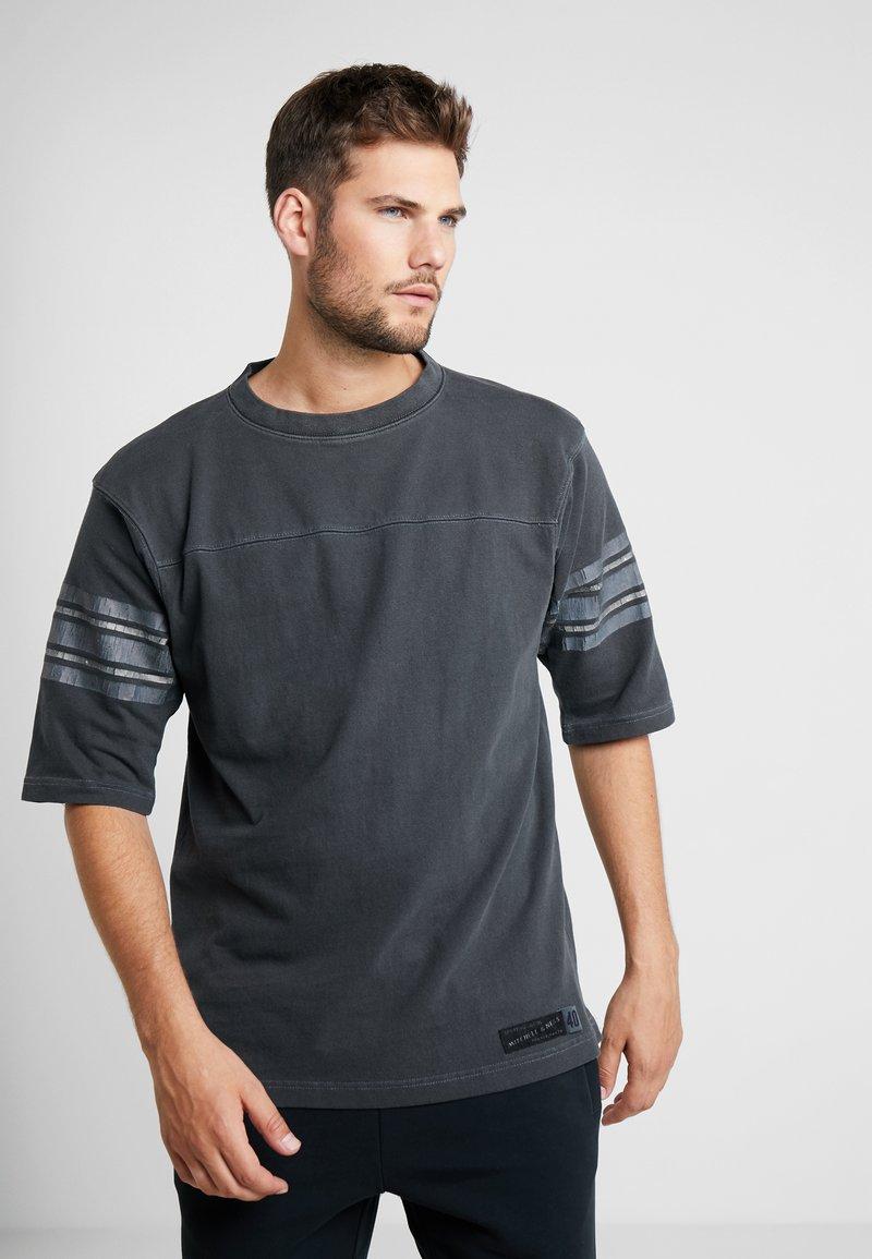 Mitchell & Ness - FOOTBALL - T-Shirt print - black