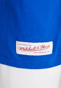 Mitchell & Ness - NCAA DUKE BLUE DEVILS THE OVERTIME WIN TEE - T-shirt imprimé - royal - 3