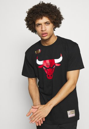 NBA HWC TEAM LOGO TRADE TEE CHICAGO BULLS - Equipación de clubes - black