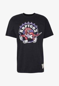 Mitchell & Ness - NBA HWC TEAM LOGO TRADE TEE TORONTO RAPTORS - Fanartikel - black - 4