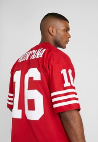 Mitchell & Ness - NFL LEGACY MONTANA  - T-shirt imprimé - red - 3