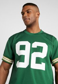 Mitchell & Ness - NFL CREWNECK REGGIE WHITE GREEN BAY PACKERS - Article de supporter - green - 3