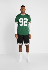 Mitchell & Ness - NFL CREWNECK REGGIE WHITE GREEN BAY PACKERS - Article de supporter - green - 1