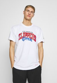 Mitchell & Ness - NBA LA CLIPPERS ARCH LOGO TEE - T-shirt print - white - 0