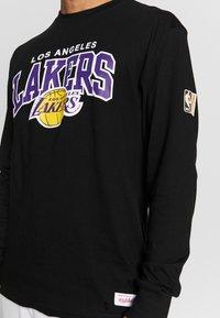 Mitchell & Ness - NBA LA LAKERS ARCH LOGO - Klubtrøjer - black - 5
