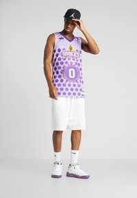 Mitchell & Ness - NBA AUTHENTIC ROOKIE GAME RUSSELL WESTBROOK 2009 #0 - Top - purple - 1