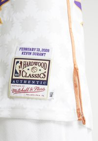 Mitchell & Ness - NBA AUTHENTIC ROOKIE GAME SOPHOMORE KEVIN DURANT 2009 #35 - Fanartikel - white - 5