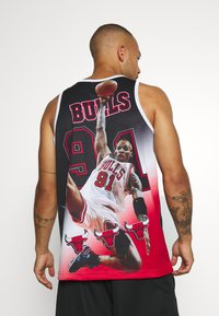 Mitchell & Ness - NBA CHICAGO BULLS DENNIS RODMAN BEHIND THE BACK TANK - Klubové oblečení - white - 2