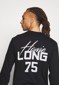 Mitchell & Ness - NFL OAKLAND RAIDERS HOWIE LONG THE 80S SUPERBOWL PACK LONGSLEEVE - Equipación de clubes - black - 4