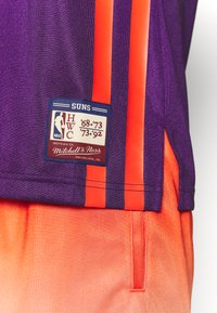 Mitchell & Ness - NBA PHOENIX SUNS TEAM HERITAGE TANK - Klubové oblečení - orange - 4