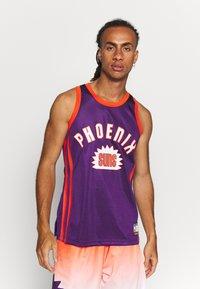 Mitchell & Ness - NBA PHOENIX SUNS TEAM HERITAGE TANK - Klubové oblečení - orange - 0