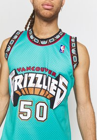 Mitchell & Ness - NBA VANCOUVER GRIZZLIES BRYANT REEVES NBA SWINGMAN - Fanartikel - teal - 4