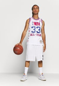 Mitchell & Ness - NBA ALL STAR EAST SWINGMAN JERSEY LARRY BIRD - Fanartikel - white - 1