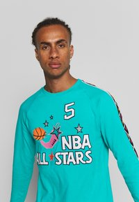 Mitchell & Ness - NBA ALL STAR WEST NAME NUMBER LONGSLEEVE JASON KIDD - Klubové oblečení - teal - 3