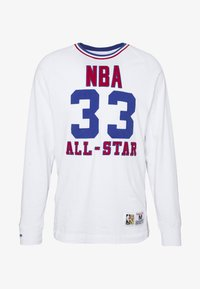 Mitchell & Ness - NBA ALL STAR EAST NAME AND NUMBER LONGSLEEVE LARRY BIRD - Klubové oblečení - white - 5